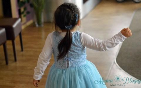 fryzury dla dziewczynek 1 - KILKA POMYSŁÓW NA FRYZURY DLA DZIEWCZYNEK