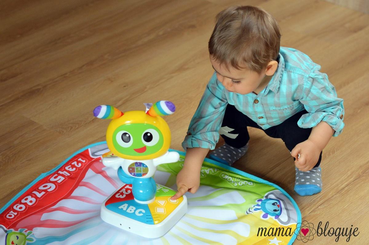 zabawka interaktywna bebo