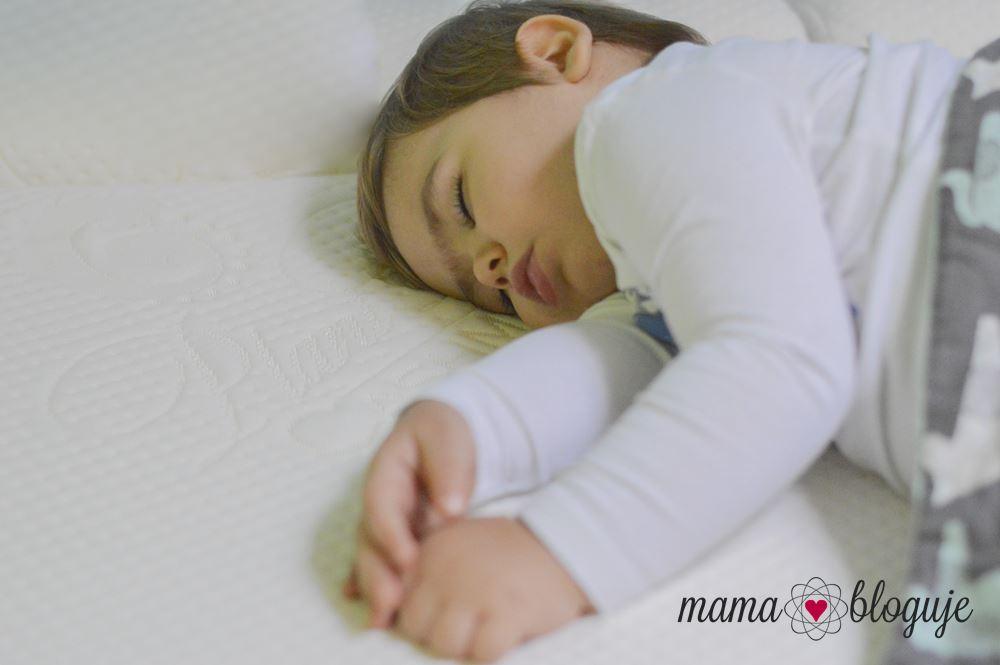 jaki materac dla dziecka 4 1 - JAKI MATERAC WYBRAĆ DLA DZIECKA?