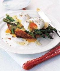 eggs-asparagus-toast_300