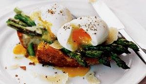 eggs-asparagus-toast_3003