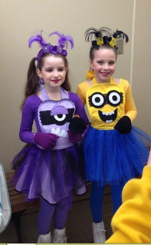 Minion Apron Costume  sc 1 st  Mama Bees Freebies & 5 Fun Minion Costume Ideas - Mama Bees Freebies