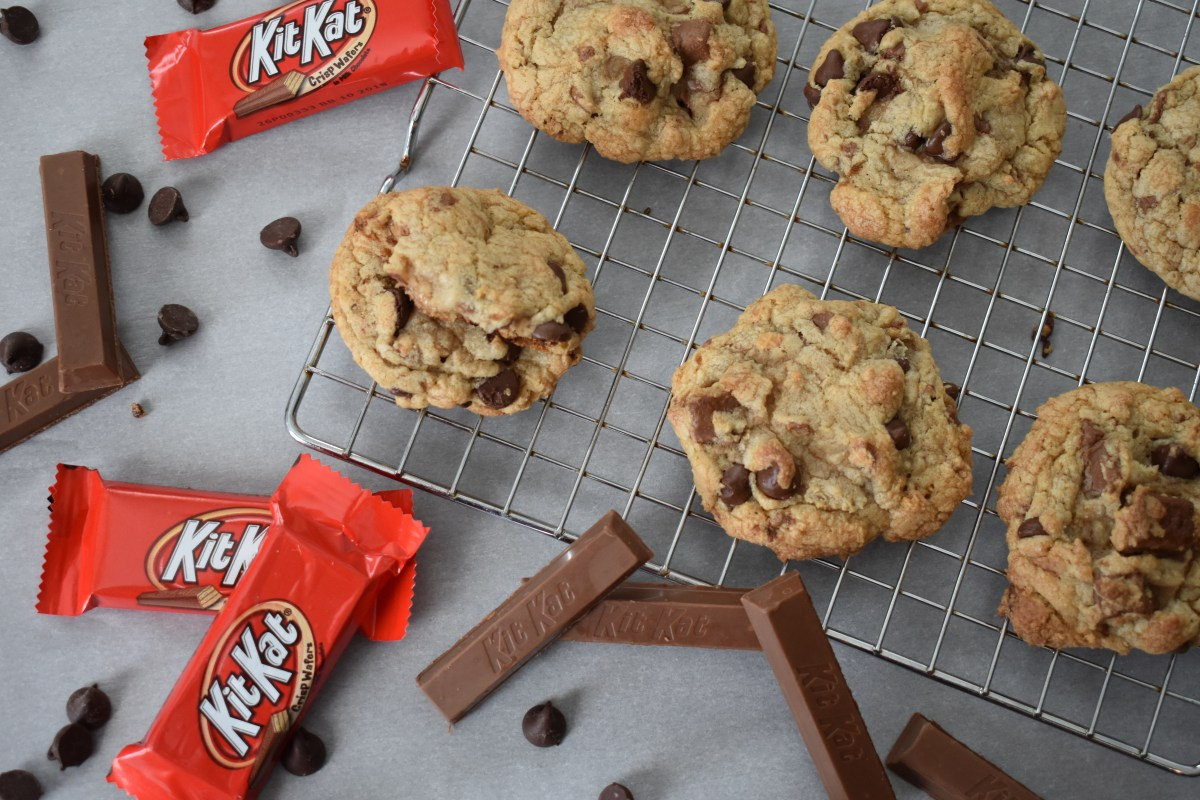 KitKat Cookie Recipe [Soft-Baked Chocolate Chip Cookies]