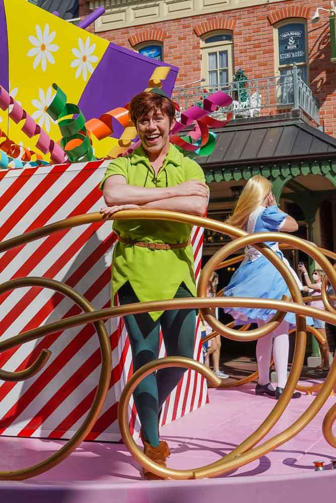 Character mini-parade Disney World 2021