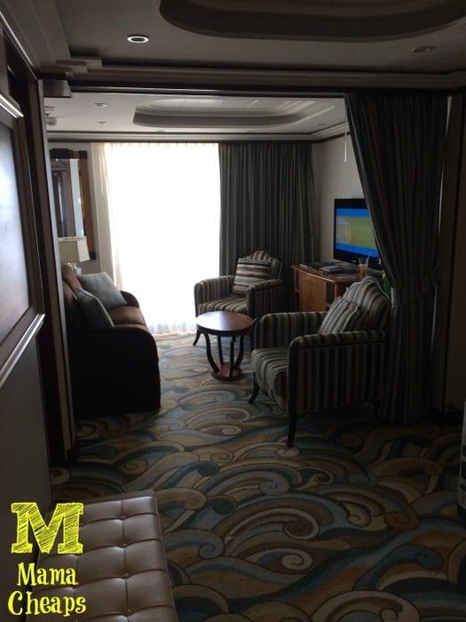 disney dream cabin 12506 living room