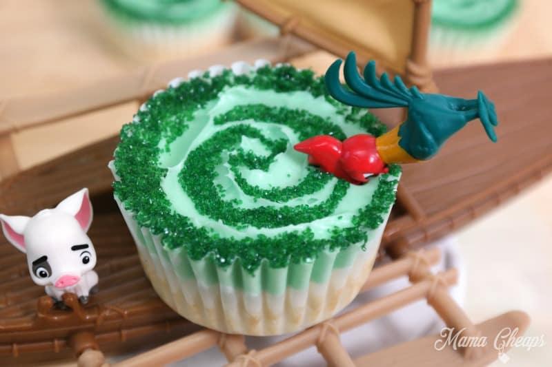 Hei Hei in Cupcake