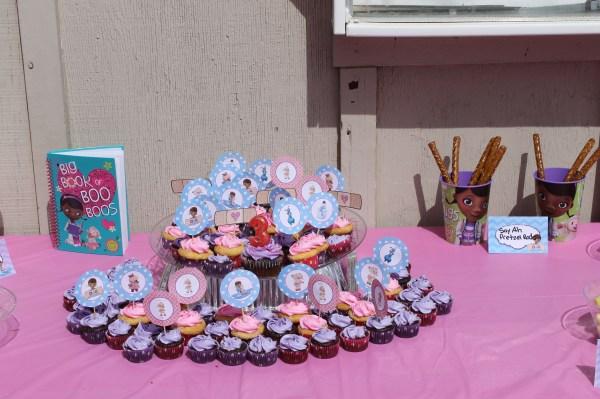 Doc McStuffins Party: Cupcakes