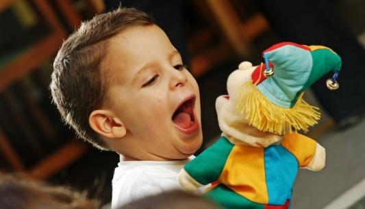 Estimular A Linguagem Através De Brincadeiras Com Fantoches