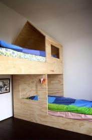 Um casinha de cama para menino e menina