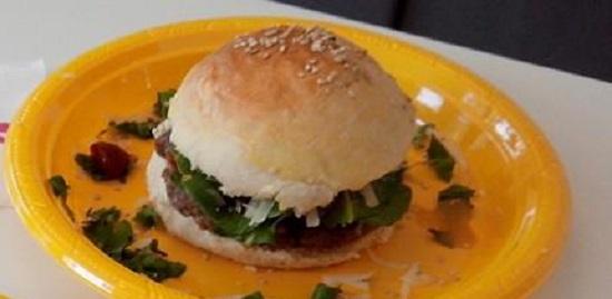 Hambúrguer assado para fazer com as crianças