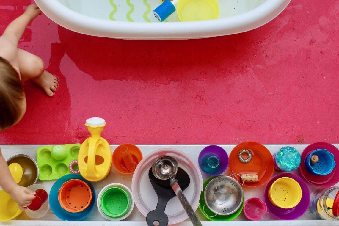 mama extraterrestre mini mundo caja sensorial juego heurístico agua