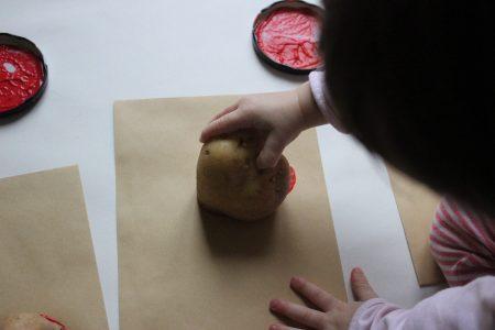 calendario adviento alternativo piezas sueltas arte proceso mama extraterrestre