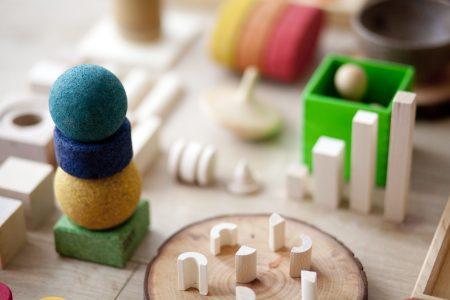 introducción a las piezas sueltas materiales de juego no estructurado mamá extraterrestre Mercedes Herrán