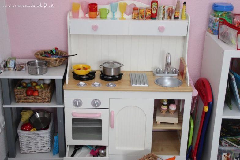 9 tipps f r ein bisschen montessori im kinderzimmer mamahoch2. Black Bedroom Furniture Sets. Home Design Ideas