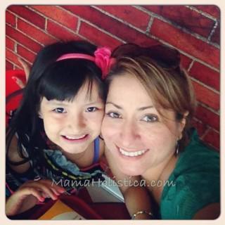 S. Yissele Gallo ~ Mamá Holística
