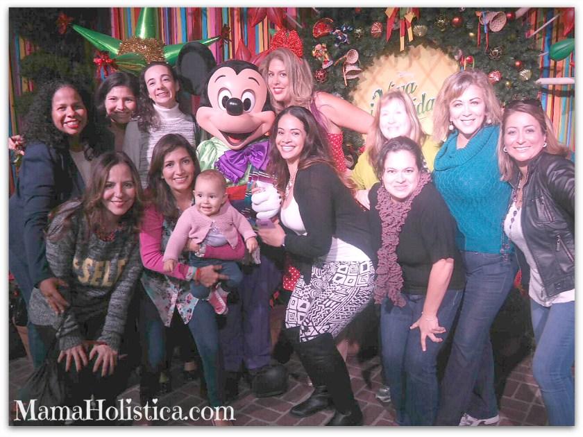¡Viva Navidad! más Latina que nunca en Disneyland California. #DisneyHolidays #LATISM14