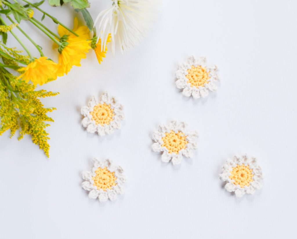 Daisies Free Crochet Pattern