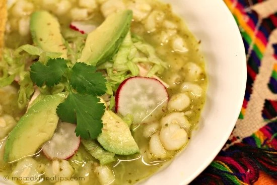 Pozole verde de pollo - mamalatinatips.com