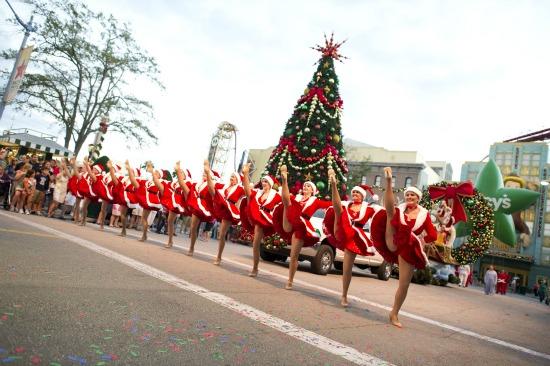 Macy's Holiday Parade at Universal Studios Orlando