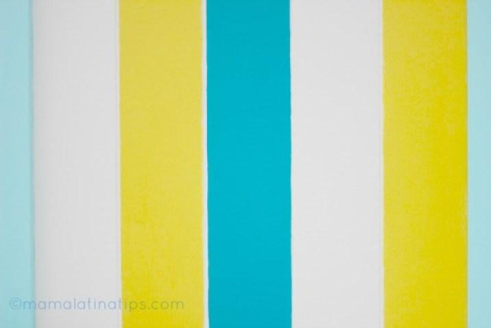 barras de colores azules, blancas y amarillas