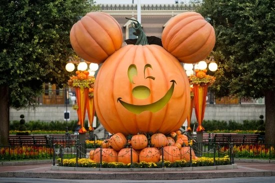 Pumpkin Mickey in Disneyland