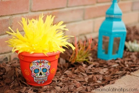Day of the Dead pots by mamalatinatips.com