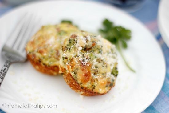 mini frittata de jamón, brócoli y queso parmesano