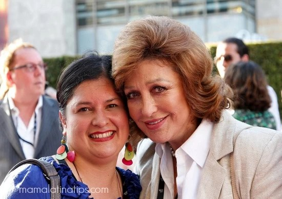 Silvia Martinez con Angélica María - mamalatinatips.com
