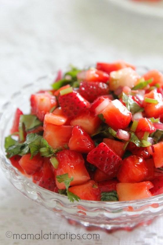 Salsa de Fresas - mamalatinatips.com