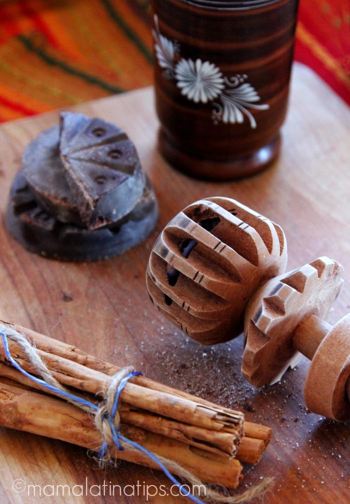 Molinillo, chocolate, canela - mamalatinatips.com