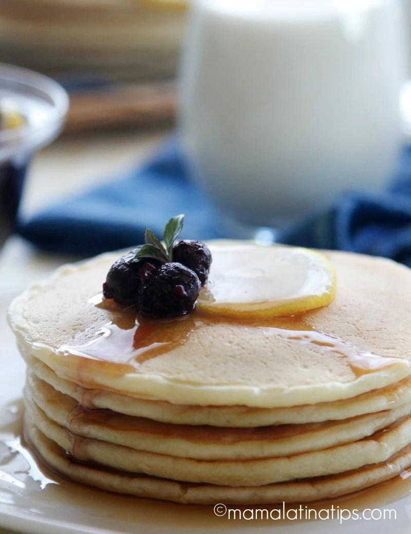 Lemon pancakes with berry compote by mamalatinatips.com