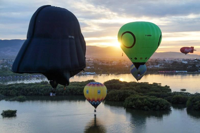 globos aeoestáticos en el Festival Internacional del Globo de León