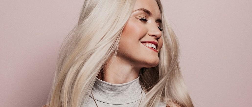 Blonde hair, colour