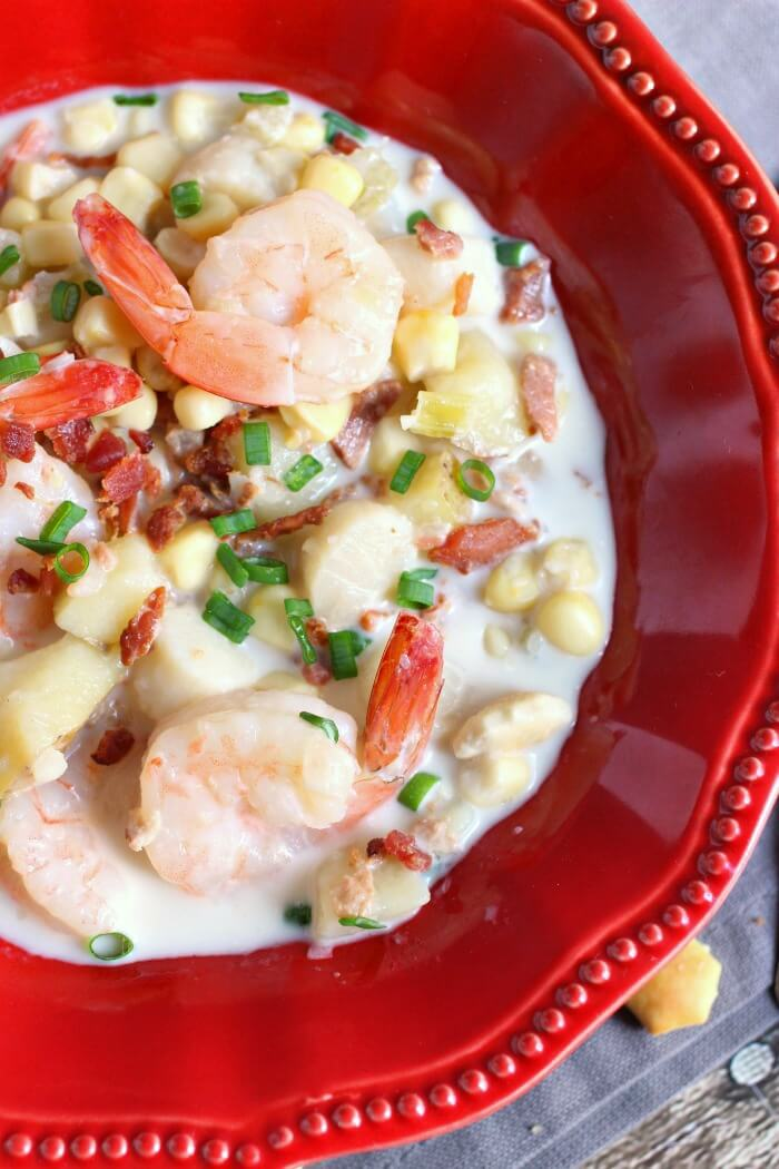 CORN CHOWDER WITH SEAFOOD