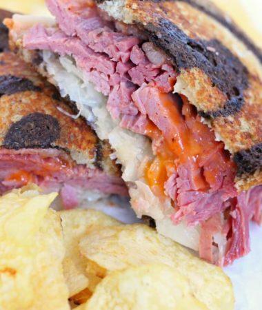 HOW TO MAKE A REUBEN SANDWICH