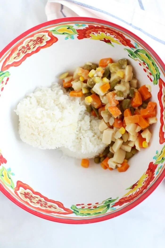 RICE AND VEGETABLES FRO CHEESY RICE CASSEROLE