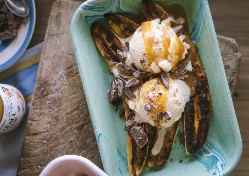 This image has an empty alt attribute; its file name is Warm-banana-split-6.jpg