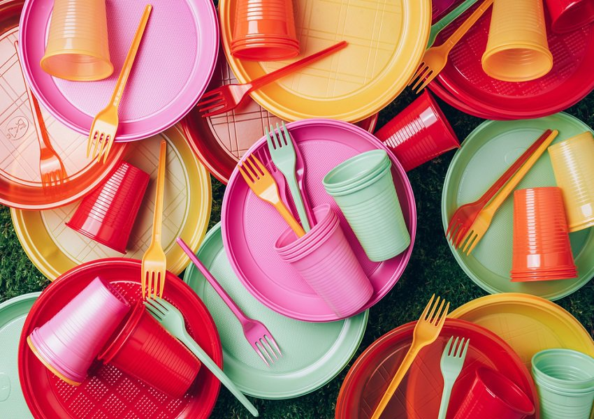 Coles remove single-use plastic tableware from shelves