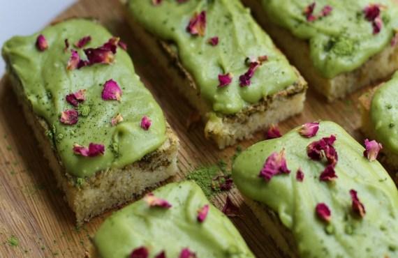 Matcha Collagen Cake