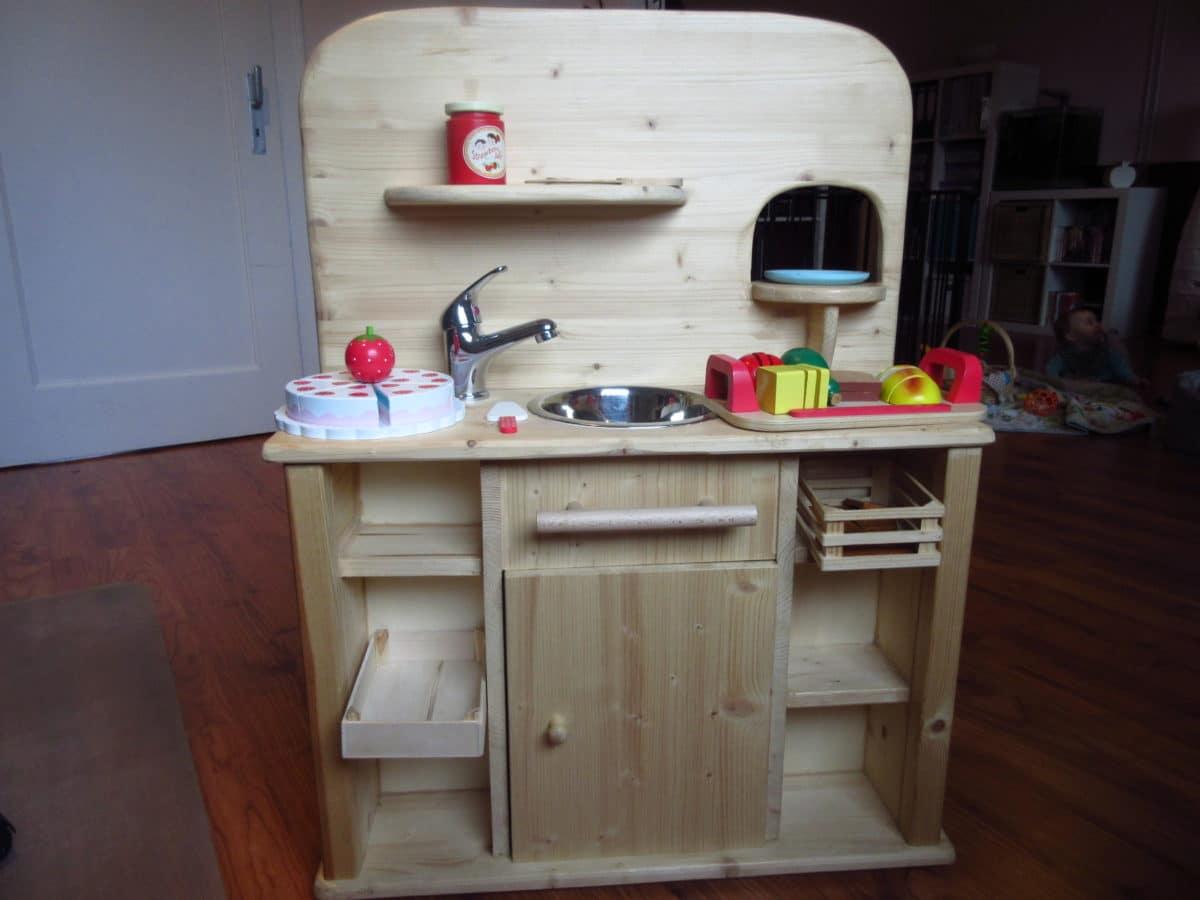 eine selbstgebaute spielk che f r mia zubeh r mamamulle 39 s blog. Black Bedroom Furniture Sets. Home Design Ideas