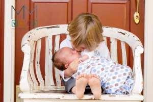 hermanito con bebe
