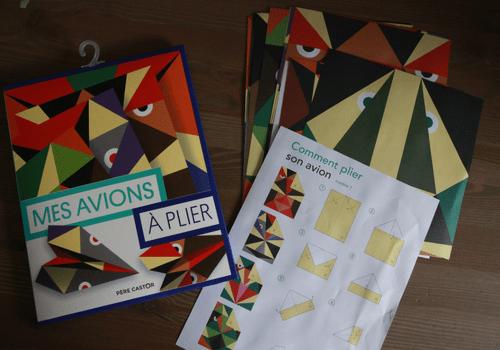 Kit Mes avions à plier aux éditions Flammarion