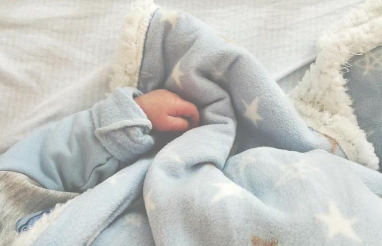 equipement-indispensable-arrivee-bebe-liste-naissance-3