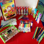 Quel matériel avoir chez soi pour les activités manuelles avec les enfants ?