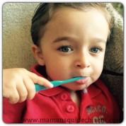 Le quotidien avec bébé : lui apprendre à se brosser les dents en s'amusant !