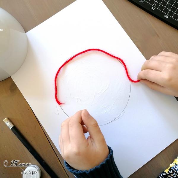 Activité créative enfants - Reproduire le drapeau japonais en laine collée - Récup' et Motricité fine - Collage - Créativité - Asie et Japon - Découverte d'un pays - Espace et géographie - arts visuels et atelier maternelle et Cycle 1 et 2 - mslf
