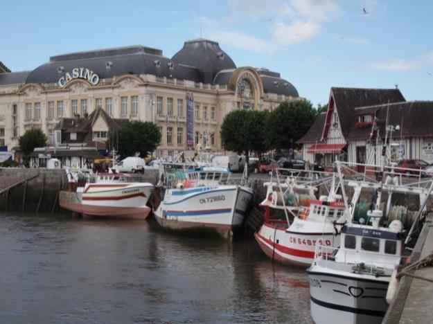 Voyage de port en port