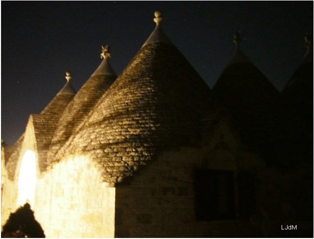 trulli_night