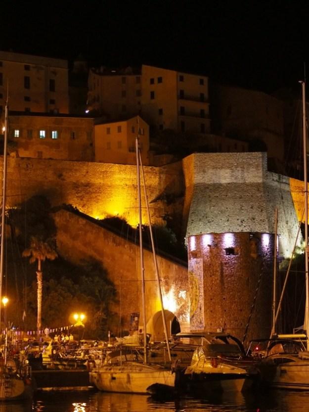 Le charme de Calvi : sa baie, son port, sa citadelle