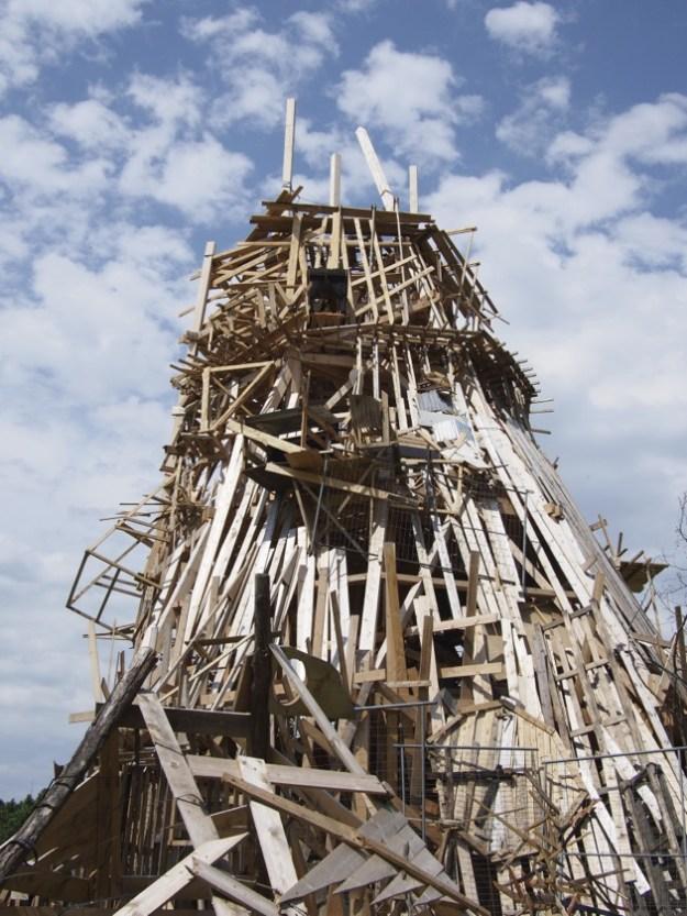 L'artiste japonais Kawamata à La Villette